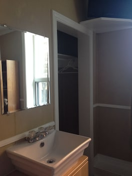 Single Room, 1 Twin Bed, Shared Bathroom