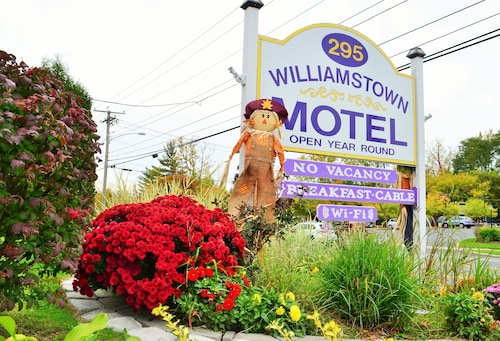 . Williamstown Motel