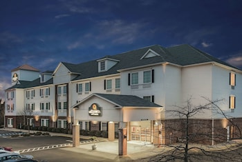 Hotel - La Quinta Inn & Suites by Wyndham Stonington-Mystic Area