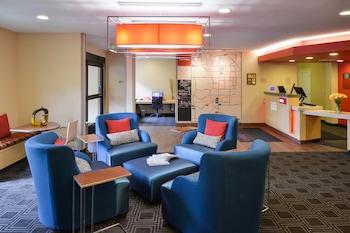Lobby at TownePlace Suites by Marriott Las Vegas Henderson in Henderson