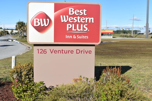 . Best Western Plus Brunswick Inn & Suites