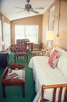 The Carriage Inn B&B - Living Area  - #0