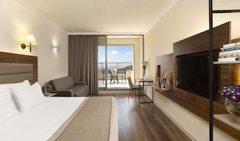 Hotel - Golden Crown Hotel