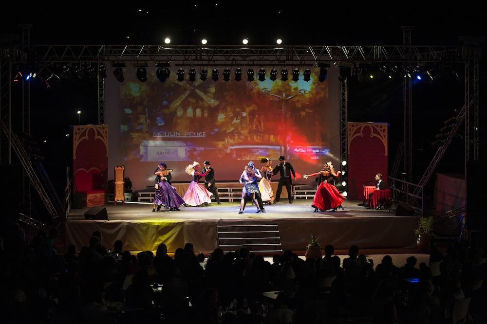 치아 라구나 - 호텔 라구나(Chia Laguna - Hotel Laguna) Hotel Image 31 - Theater Show