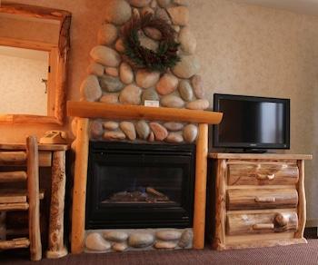 Suite, Fireplace