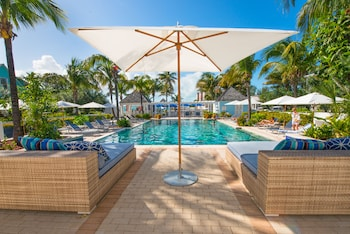 Hotel - Valentines Resort & Marina