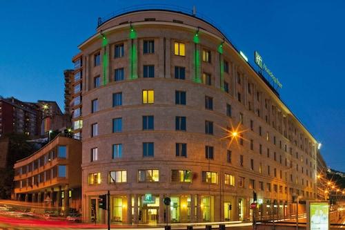 . Holiday Inn Genoa City