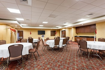 West Memphis Vacations - Comfort Suites West Memphis - Property Image 1
