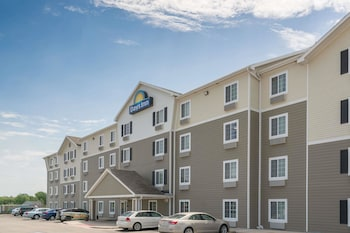 Hotel - Days Inn & Suites by Wyndham Rochester Mayo Clinic South