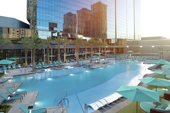 Elara by Hilton Grand Vacations - Center Strip Image