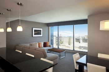 Suite, 2 Bedrooms, Accessible, Kitchen (Hearing, Corner Suite)