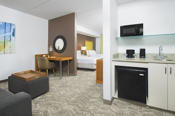Guestroom at SpringHill Suites by Marriott Fairfax Fair Oaks in Fairfax