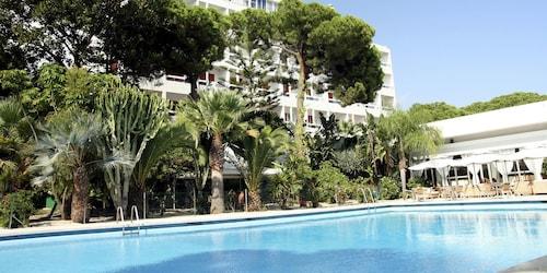 . Abamar Hotel