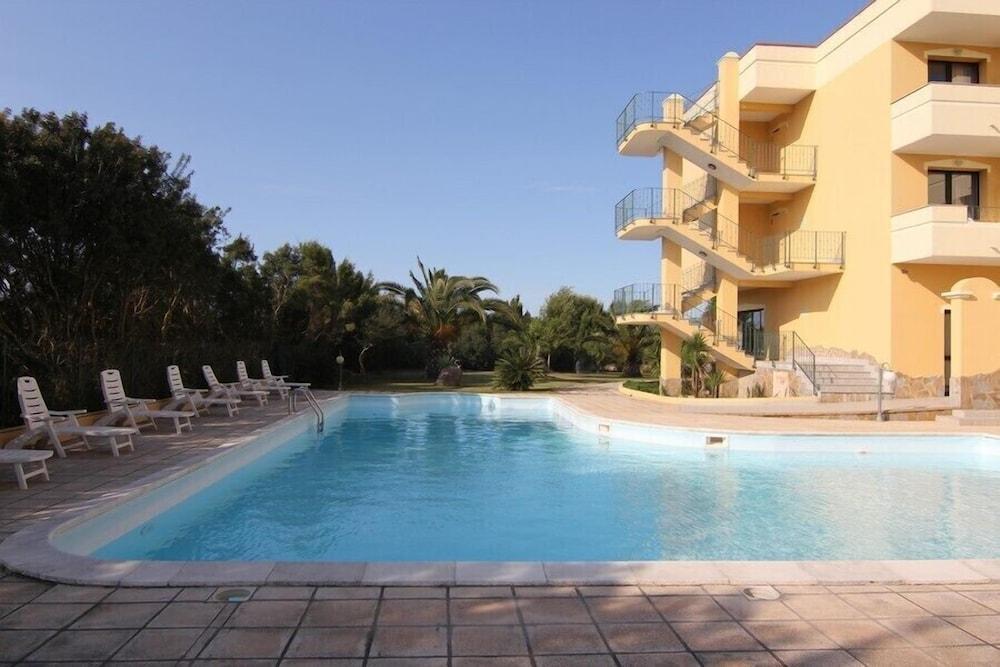 Hotel Cala dei Pini, Featured Image