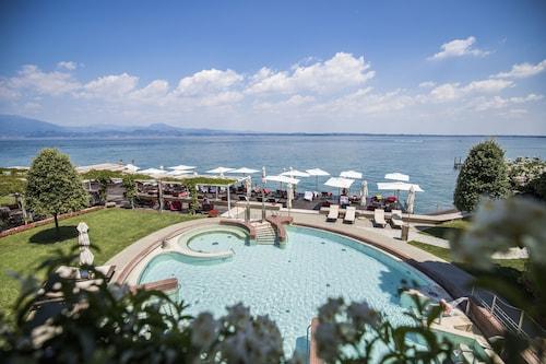 __{offers.Best_flights}__ Grand Hotel Terme