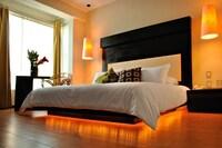 Junior Suite -King side bed