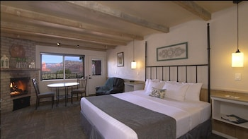 Deluxe Room, 1 King Bed (Rim View)