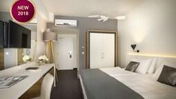 Superior Twin Room, Balcony, Sea View