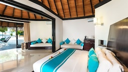 Family Deluxe Villa Pool With Separate Living