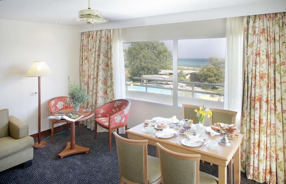 테오파노 임페리얼 팰리스(Theophano Imperial Palace) Hotel Image 20 - In-Room Dining