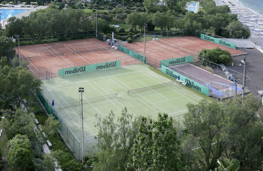 테오파노 임페리얼 팰리스(Theophano Imperial Palace) Hotel Image 51 - Tennis Court