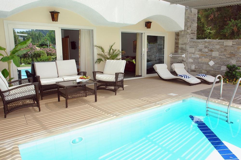 테오파노 임페리얼 팰리스(Theophano Imperial Palace) Hotel Image 47 - Outdoor Pool