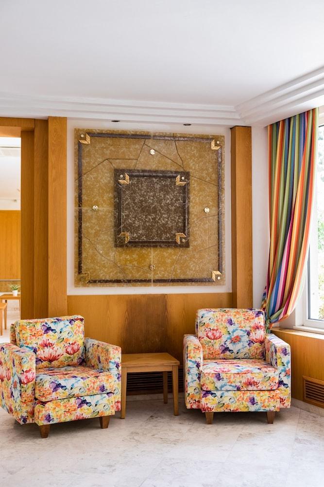 테오파노 임페리얼 팰리스(Theophano Imperial Palace) Hotel Image 1 - Lobby Sitting Area