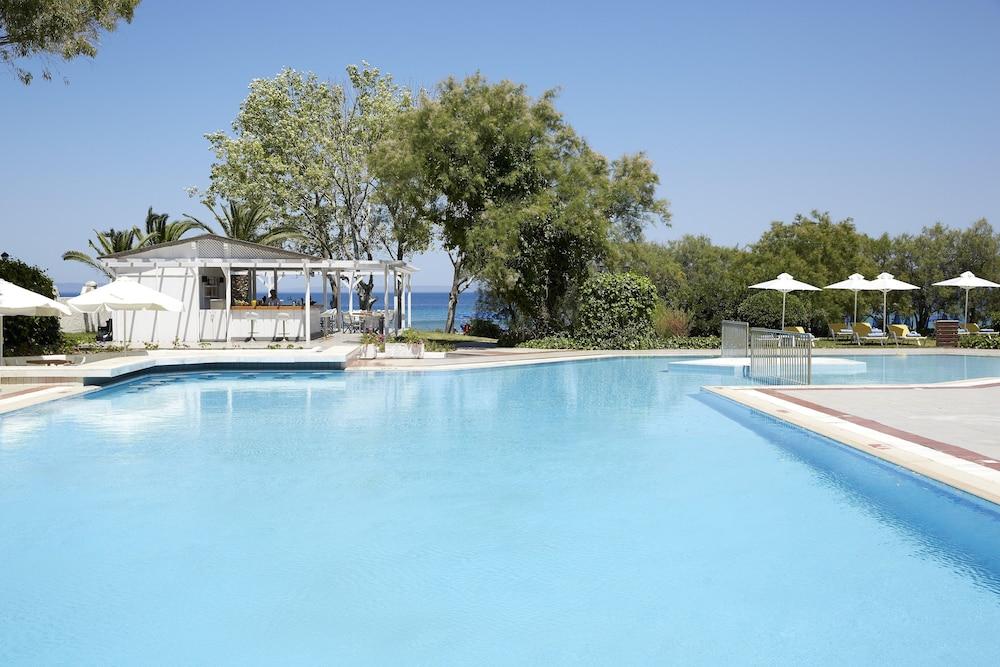 테오파노 임페리얼 팰리스(Theophano Imperial Palace) Hotel Image 49 - Outdoor Pool