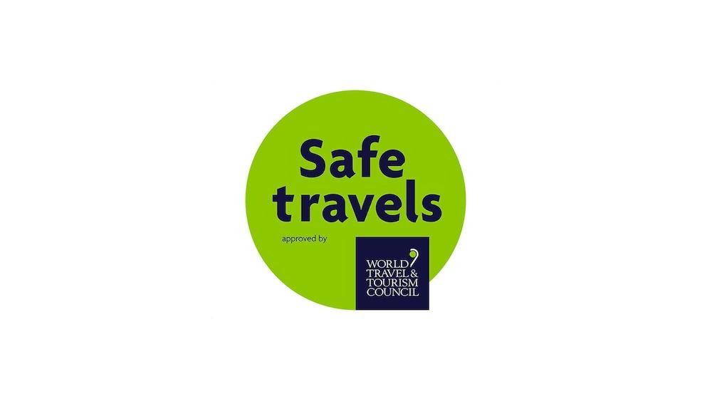 https://i.travelapi.com/hotels/3000000/2810000/2803000/2802992/39220501_z.jpg
