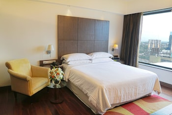 Deluxe Room, 1 King Bed, Non Smoking, City View