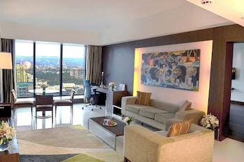Premier Suite, 1 Bedroom, Non Smoking, Pool View