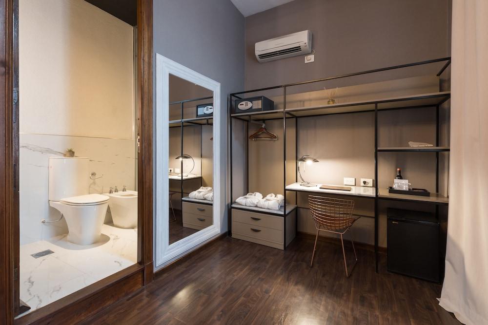 https://i.travelapi.com/hotels/3000000/2810000/2803600/2803575/00597709_z.jpg