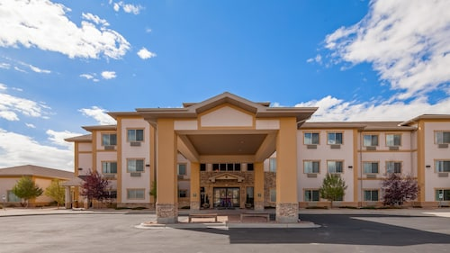 . Best Western Plus Fossil Country Inn & Suites