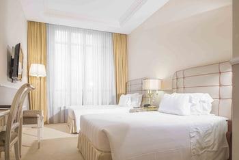 Junior Suite, 2 Queen Beds, Accessible