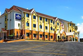新布朗費爾斯溫德姆米克羅飯店 Microtel Inn & Suites by Wyndham New Braunfels