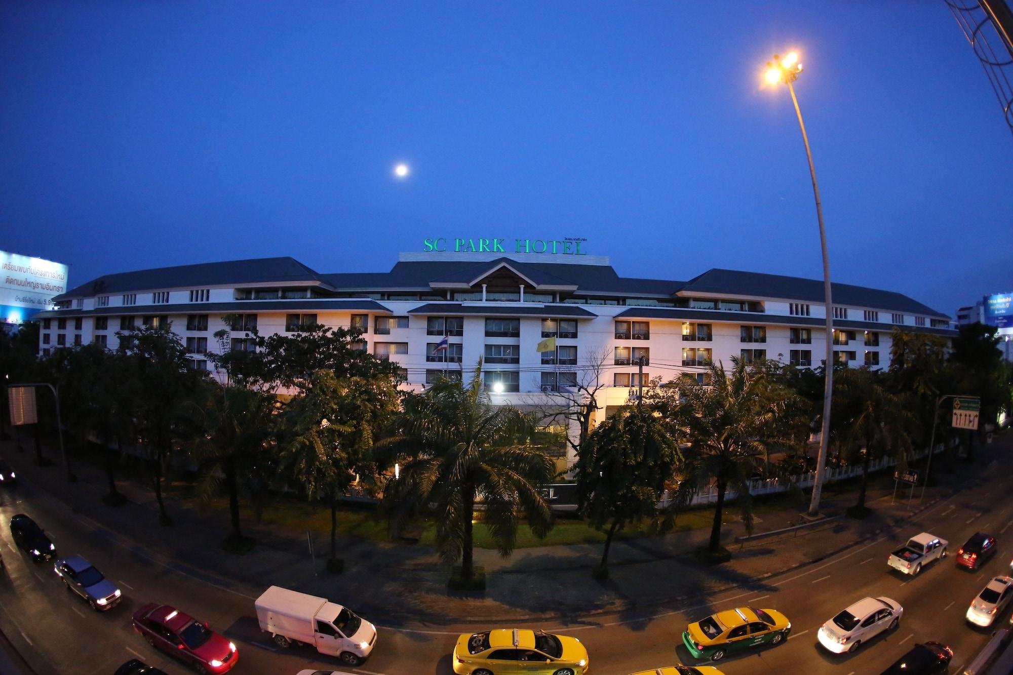 SC Park Hotel, Wang Thonglang