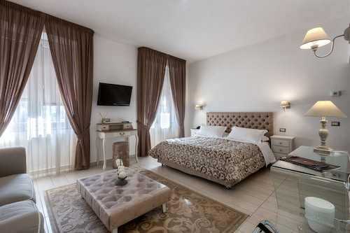 . Viva Hotel