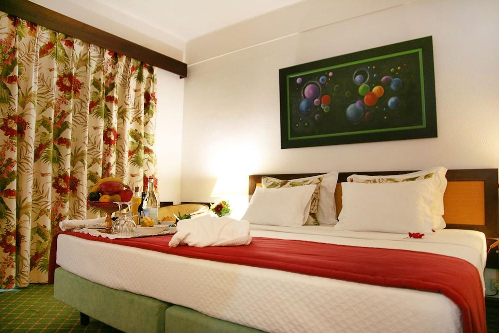 호텔 D. 루이스(Hotel D. Luís) Hotel Image 2 - Guestroom