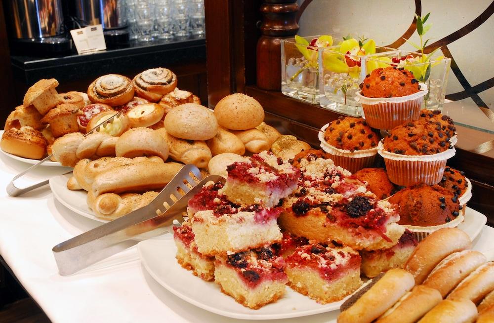 호텔이미지_Breakfast buffet