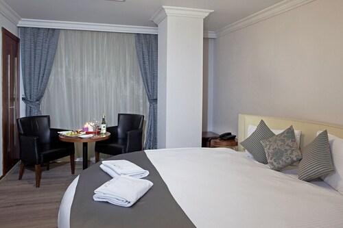 Residence Hotel, Konak