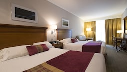 Deluxe Room, 2 Queen Beds, Jetted Tub