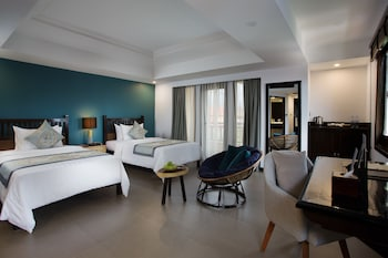 Junior Suite Twin With Balcony