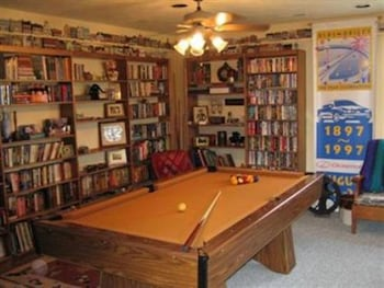 Tuggles' Folly Bed and Breakfast - Billiards  - #0