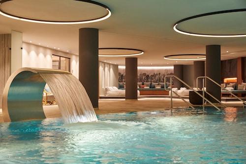 . Infinity Hotel & Conference Resort Munich