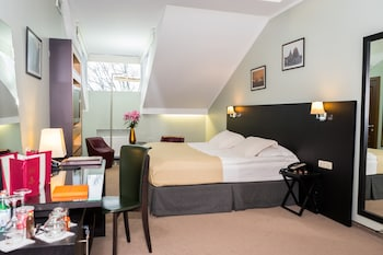 Superior Double or Twin Room (with Spa Access)