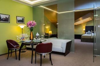 Prestige Suite with Spa Access