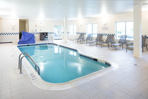 . Fairfield Inn & Suites South Boston