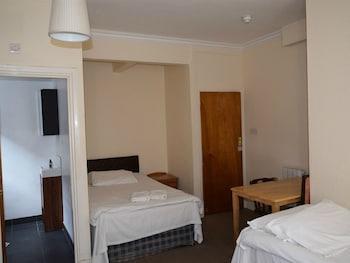 Standard Triple Room, Ensuite