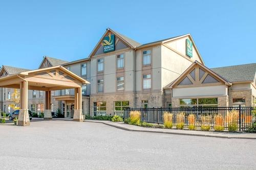 . Quality Inn and Suites Petawawa