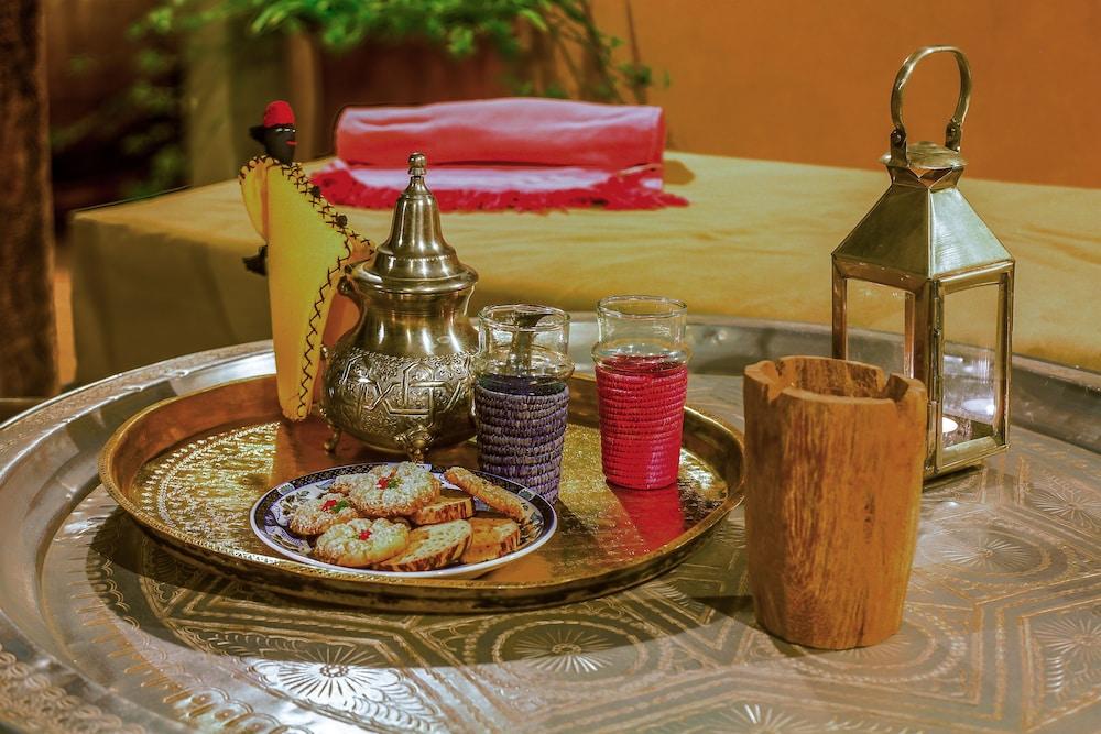 다르 라야 에프딜라(Dar Lalla F'Dila) Hotel Image 29 - Food and Drink